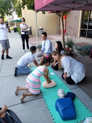 people in a cpr class
